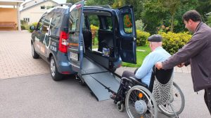 Rollstuhltransporte gibt Taxi